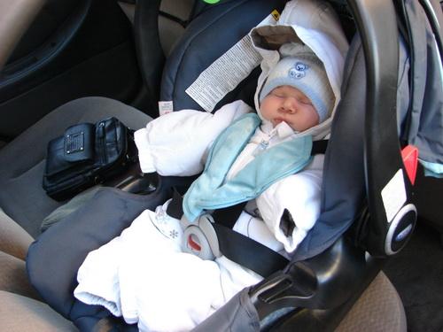 Первая поездка в автокресле